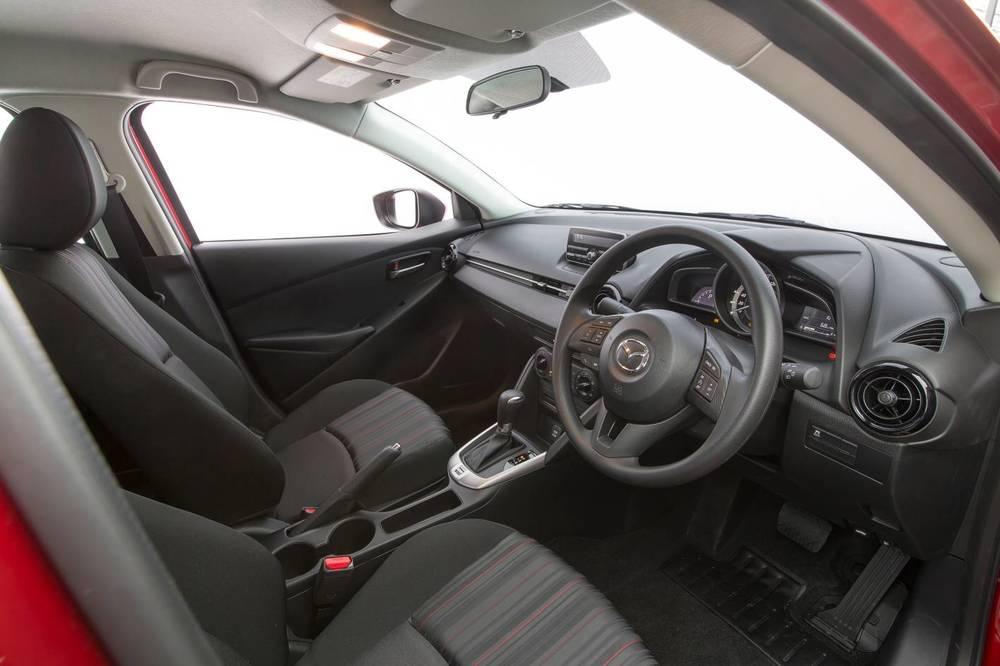2016 Mazda2 12.jpg