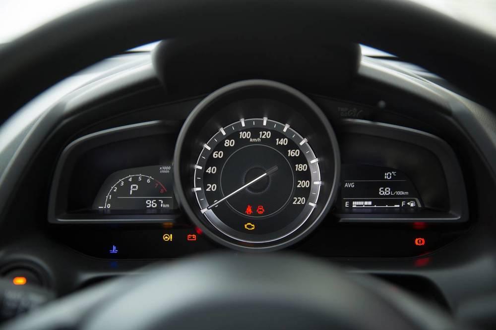 2016 Mazda2 14.jpg