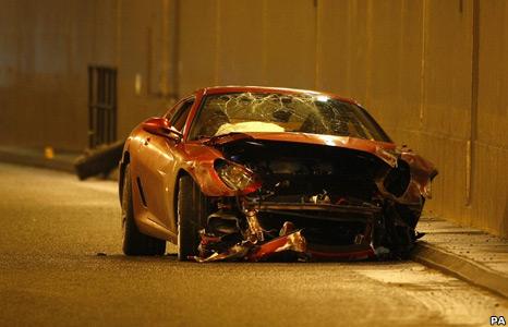 _45357360_crash1.jpg