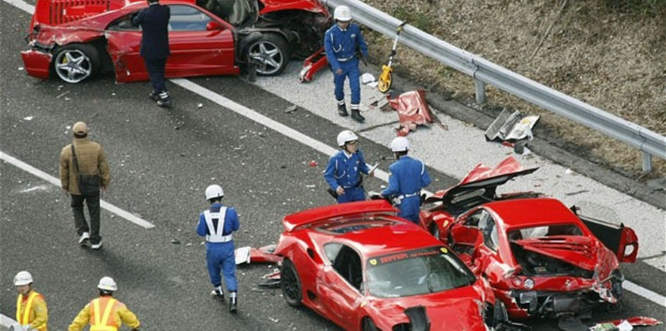 Ferrari-crash-Japan.jpg