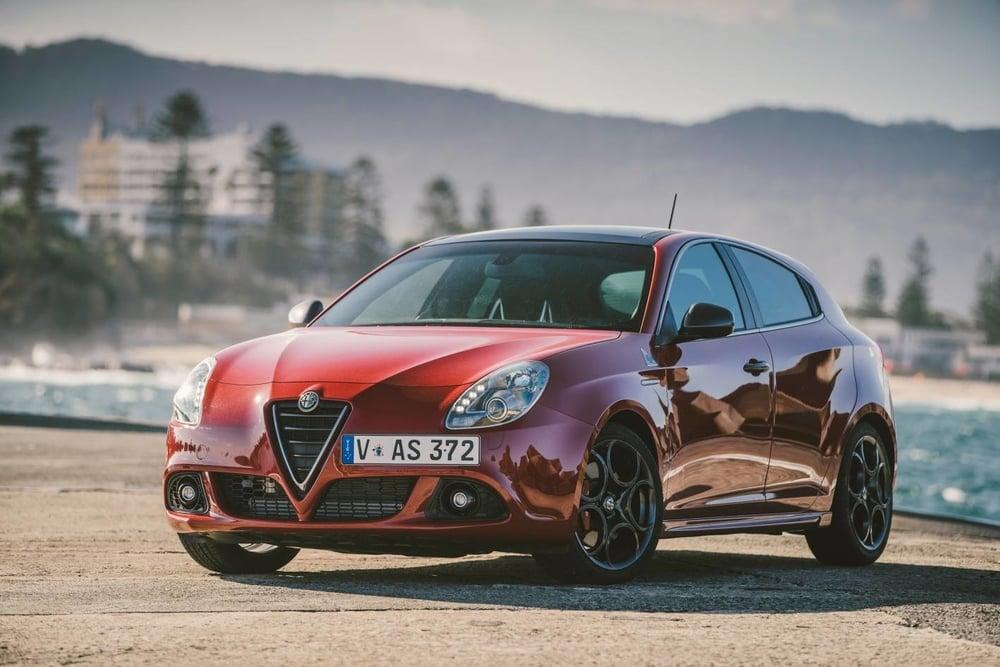 2016 Alfa Romeo Giulietta.jpg
