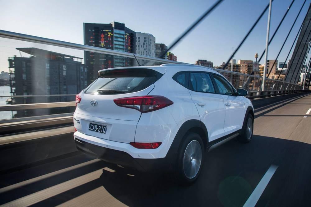 2016 Hyundai Tucson Active X 1.jpg