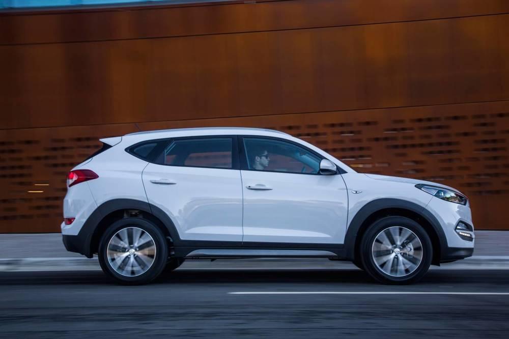 2016 Hyundai Tucson Active X 8.jpg