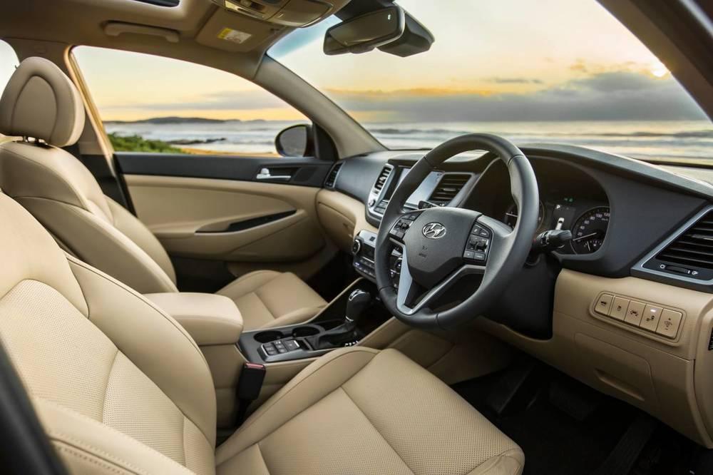 2016 Hyundai Tucson Highlander int 6.jpg