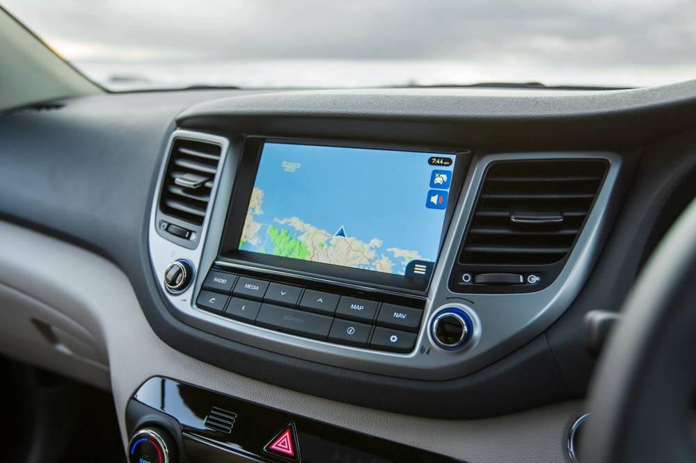 2016 Hyundai Tucson Highlander int 9.jpg