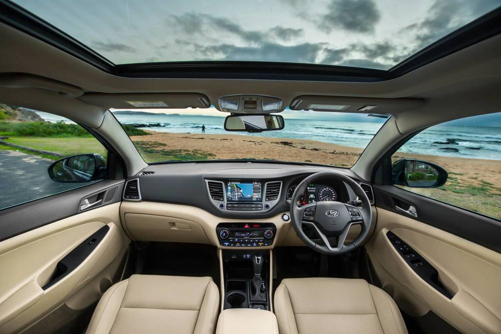 2016 Hyundai Tucson Highlander int 5.jpg
