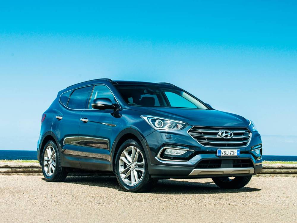 should i buy a hyundai santa fe 7 seater suv auto expert by john cadogan save thousands on. Black Bedroom Furniture Sets. Home Design Ideas