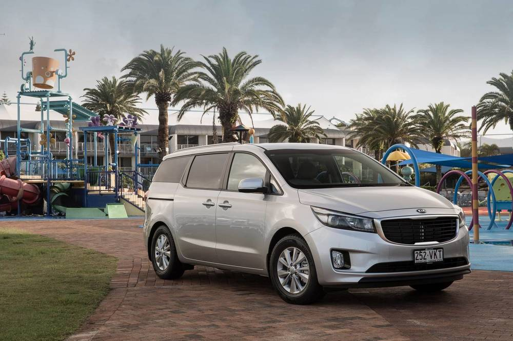 kia carnival review auto expert by john cadogan save thousands on your next new car. Black Bedroom Furniture Sets. Home Design Ideas