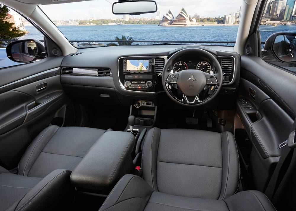 Mitsubishi Outlander  3.jpg