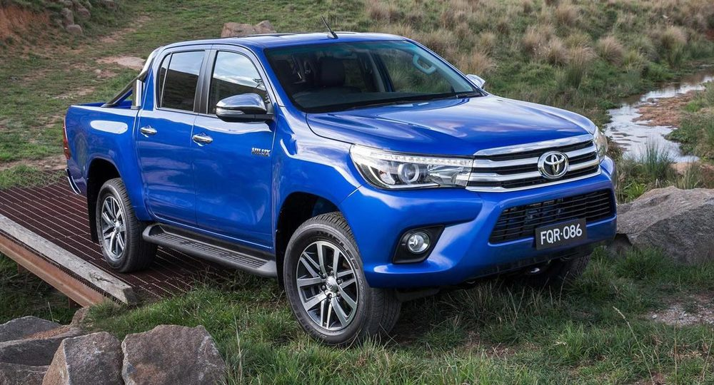 2016 Toyota Hilux.jpg