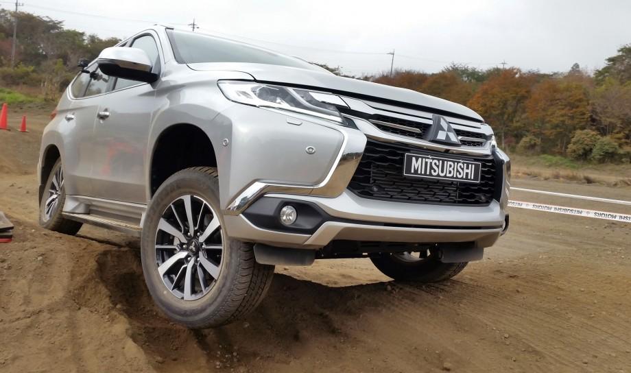 Mitsubishi pajero sport towing capacity