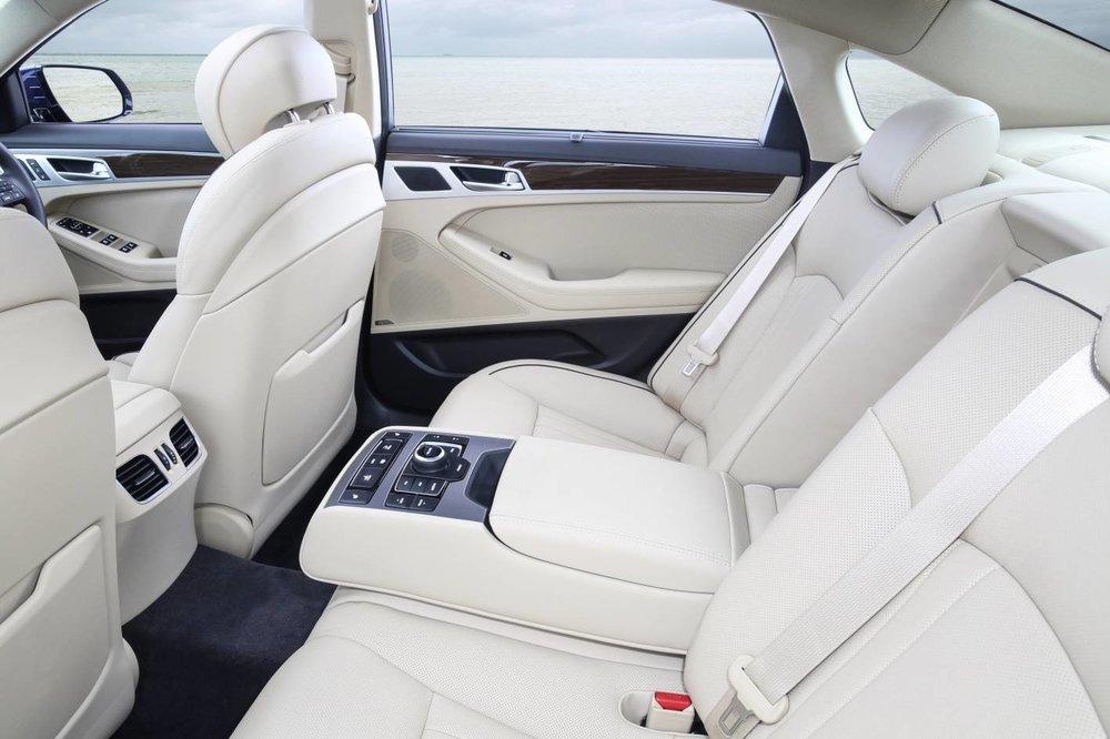 Hyundai Genesis Ultimate 4.jpg