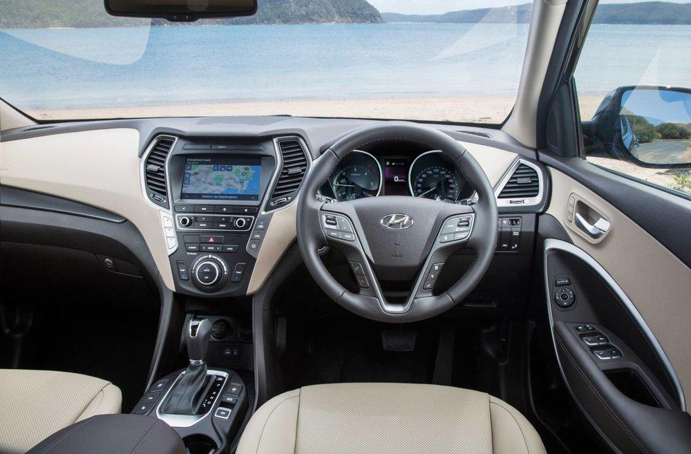 2017 Hyundai Santa Fe 3.jpg