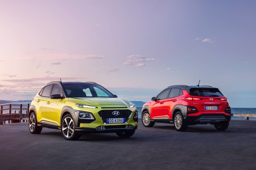 Kona Highlander (left) and Elite (right). Can you tell them apart? (See below for the trainspotter's guide to Kona differentiation.)