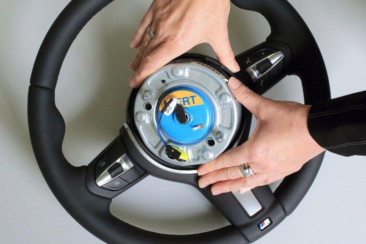 141023_em_airbag.jpg