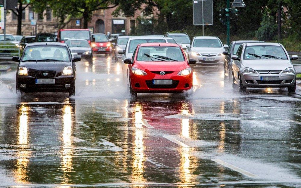 cars-driving-rain-xlarge.jpg