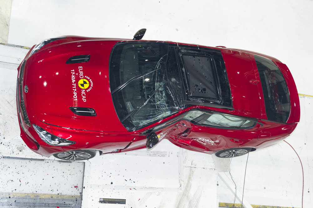 Kia Stinger crash 6.jpg
