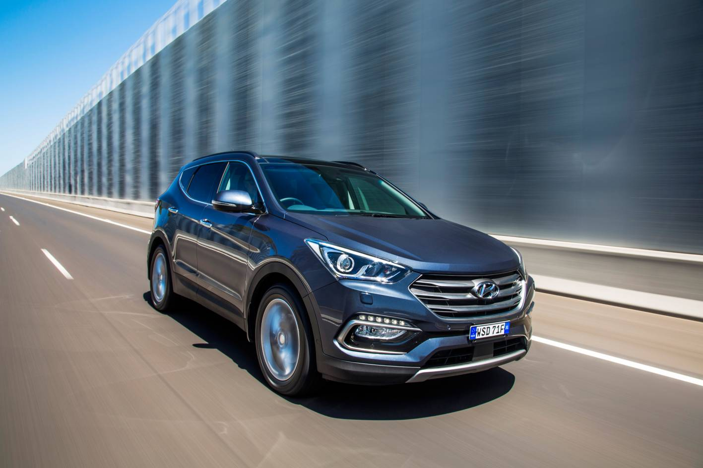 2012-2018 Santa Fe is excellent family transport and a great highway tourer