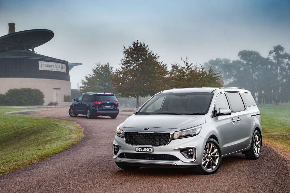 2019-Kia Carnival-PE-group-02.jpg