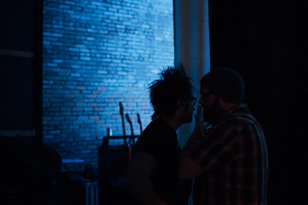 Motion_City_Soundtrack_And_Steven_Yeun_Perform_On_Wits_040.JPG