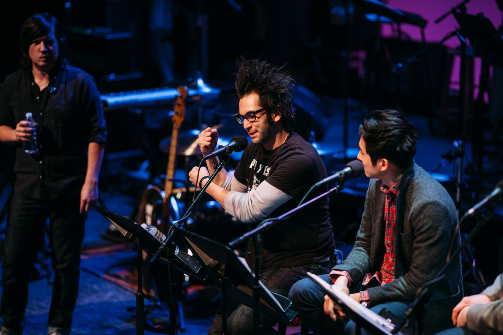 Motion_City_Soundtrack_And_Steven_Yeun_Perform_On_Wits_045.JPG