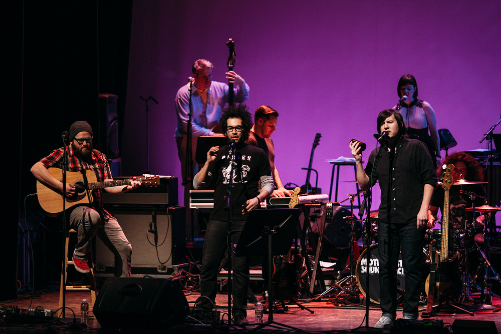 Motion_City_Soundtrack_And_Steven_Yeun_Perform_On_Wits_054.JPG