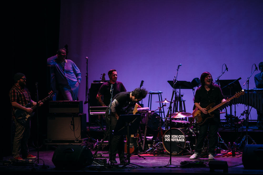 Motion_City_Soundtrack_And_Steven_Yeun_Perform_On_Wits_056.JPG