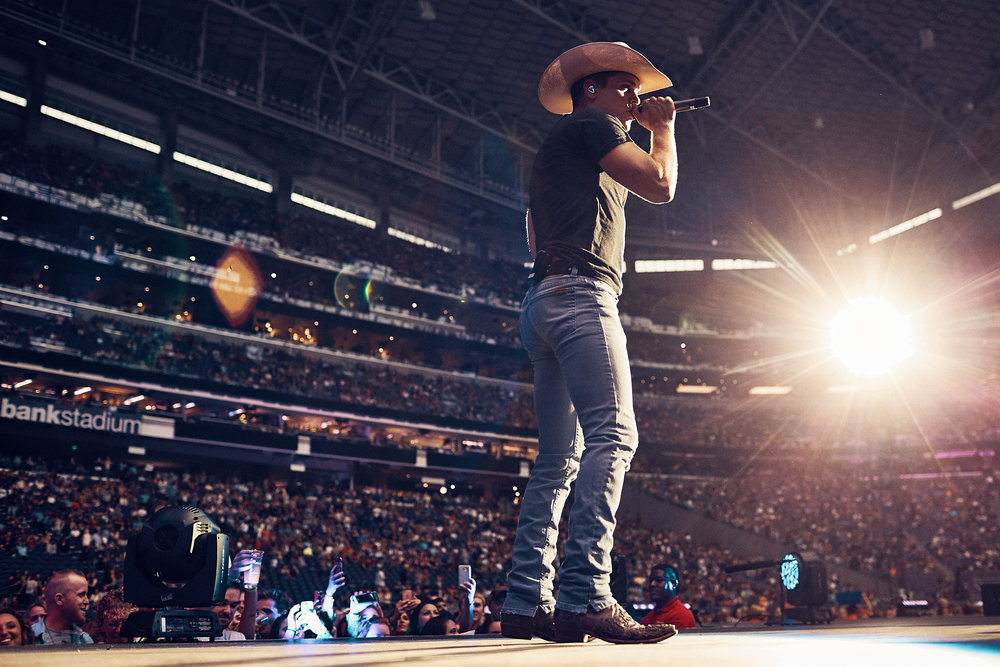 First_Concert_Dustin_Lynch_at_006US_Bank_Stadium_Minneapolis_Minnesota_Photography_By_Joe_Lemke_.JPG