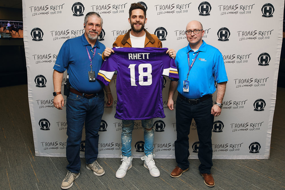 Thomas_Rhett_Trade_Shots_05-05-2018_Photo_By_Joe_Lemke_002.jpg
