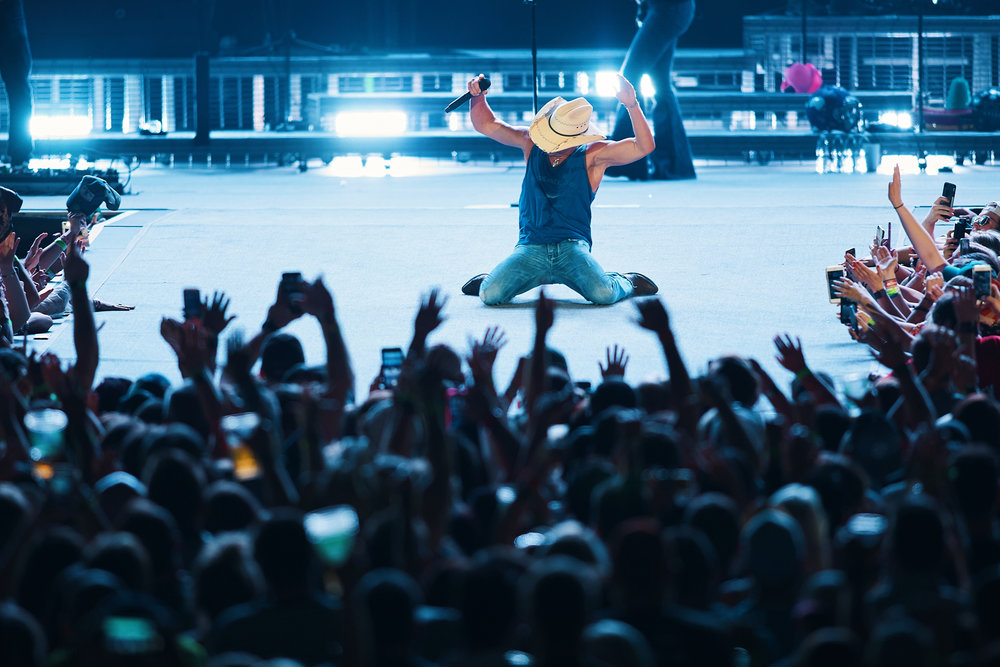 Kenny_Chesney_At_US_Bank_Stadium_On_05-05-2018_Photo_By_Joe_Lemke_019.jpg