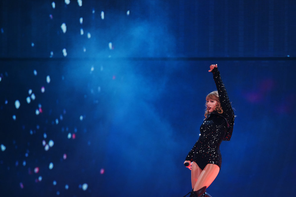 Taylor_Swift_at_US_Bank_Stadium_08-31-2018_Photo_By_Joe_Lemke_014.jpg