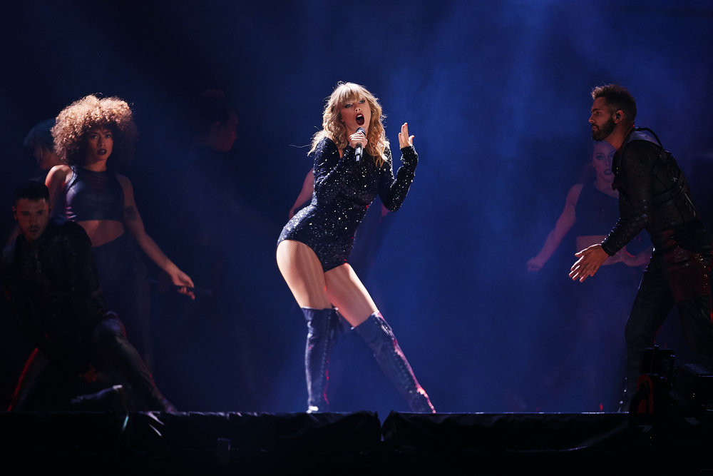 Taylor_Swift_at_US_Bank_Stadium_08-31-2018_Photo_By_Joe_Lemke_024.jpg