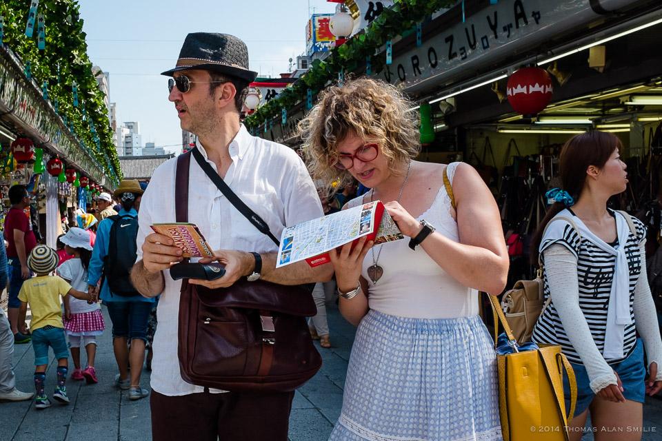 Tourist in Asakusa, Tokyo. Fuji x100s.