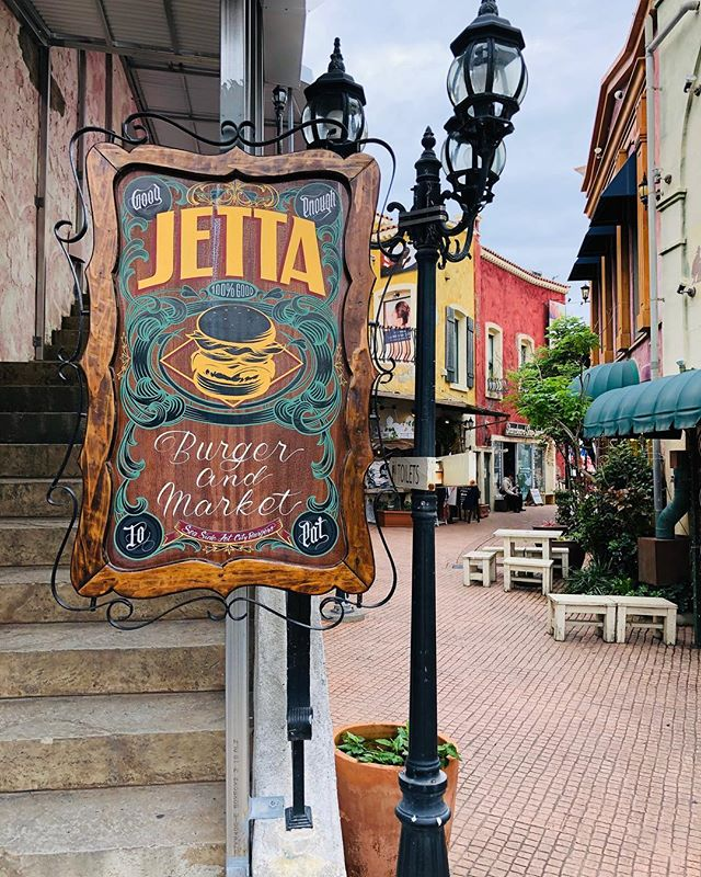 #jettaburger #americanvillage #okinawa #japan #burger #iphonex #shotoniphone