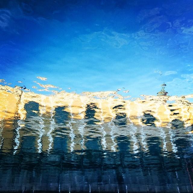 Great #reflections of #torvaldsensmuseum in the #canal - #copenhagen