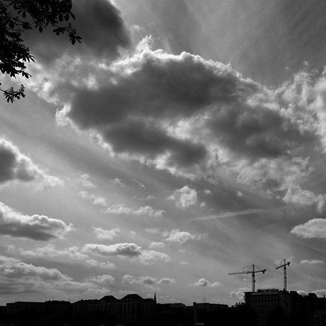Great clouds over the #lakes #copenhagen #østerport - #cloudporn #sky #vista #blackandwhite