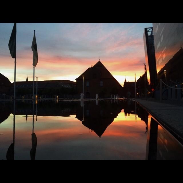 One last pic - #copenhagen #sunset #blackdiamond #reflections #vscocam