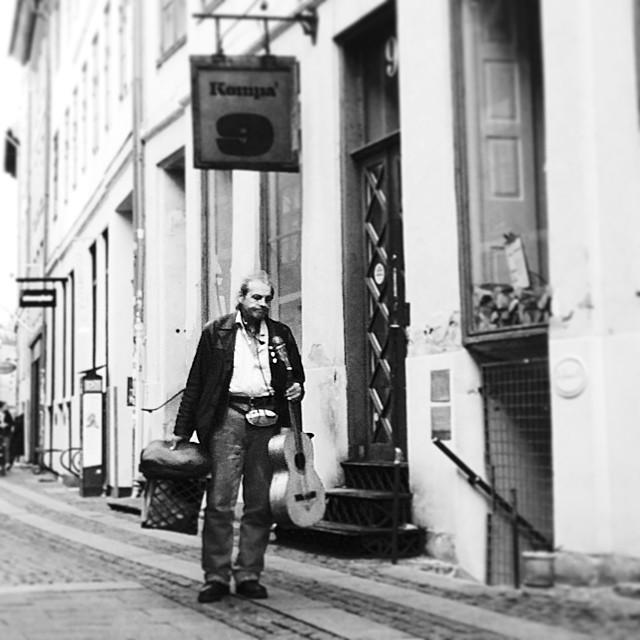 I think 'el mariachi' has seen better days - #streetperformer #busker #copenhagen #bestbadbuskers