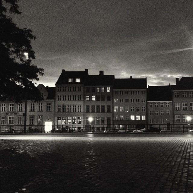 The view across the #canal from #thorvaldsenmuseum #copenhagen #blackandwhite #night #city