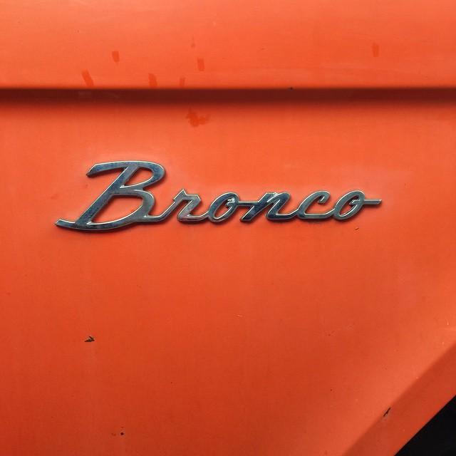 #typography #type #cars #orange