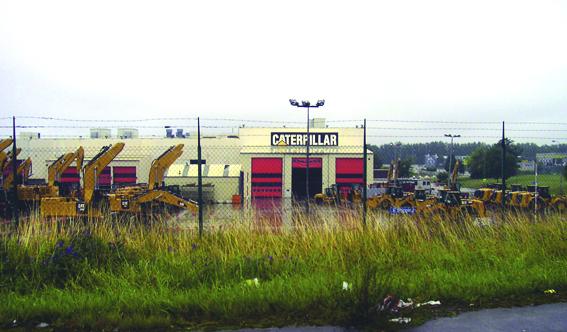 Après Doosan à Frameries c'est au tour de Caterpillar de fermer son centre de production à Gosselies. C'est aussi 2000 emplois perdus sans tenir compte des sous-traitants. Un tsunami pour le pays de Charleroi.C'est en 1968 que le constructeur américain inaugure son usine de fabrication de pelles. Plus tard Caterpillar produira des moteurs et des chargeuses sur pneus     © photo CDU