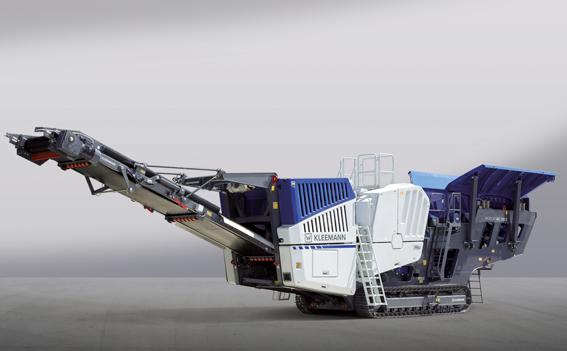 Le groupe Wirtgen proposera en première mondial à Steinexpo du 30 août au 2 septembre à Homberg/Nieder-Oleiden en Allemagne le concasseur à mâchoires MC 120 PRO destiné pour les applications en carrières avec un débit de production pouvant atteindre jusqu'à 650 t/h.   Le cœur du système est le concasseur à mâchoires lui-même, spécialement conçu pour le traitement de roches dures. Le système d'alimentation en continu permet d'obtenir la meilleure utilisation possible de la capacité du broyeur. Il règle l'alimentation du matériau en fonction de son débit. L'appareil est équipé d'un pré-crible indépendant oscillant à deux étages avec une surface de criblage extra large. Kleemann exposera également le broyeur à cônes Mobicone MCO 11 PRO propulsé par un puissant diesel électrique à faible consommation d'énergie permettant l'exploitation à partir   d'une alimentation électrique externe. Avec sa capacité d'alimentation maximale jusqu'à 470 t/h, le broyeur à cône est équipé du CFS (Système d'alimentation continue), une innovation garantissant l'alimentation productive du broyeur. Le MCO 11 PRO convient aussi parfaitement pour une utilisation dans des installations combinées en chaîne. La série PRO des concasseurs est utilisée selon le concept de commande très intuitif SPECTIVE qui assiste l'opérateur durant son travail. Toutes les fonctions et composants de l'installation sont contrôlés via un écran tactile de12 pouces. À découvrir aussi le crible mobile MOBISCREEN MS 953 EVO, une unité de criblage à 3 étages à entraînement diesel-électrique, ainsi que le granulateur. MBRG 2000 de Benninghoven qui concassent les agrégats d'enrobé de manière délicate pour pouvoir réemployer près de 100% du matériau recyclé.   ( Avec Construction Cayola )     Metso à Matexpo