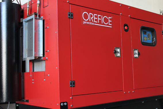 La société Verhelst s'est vue attribuer le Green Award avec le Recogeno, un système d'échange de chaleur externe pour groupes électrogènes   à   refroidissement liquide. Cet échangeur est monté sur le radiateur de refroidissement du groupe. Il a la capacité de récupérer de façon particulièrement simple la chaleur rayonnante qui autrement est perdue. L'énergie thermique récupérée peut alors être utilisée pour chauffer de l'air ou de l'eau chaude qui servira à son tour de chauffer des baraquements de chantiers par exemple, sans altérer le bon fonctionnement du groupe électrogène  .© Bull BTP