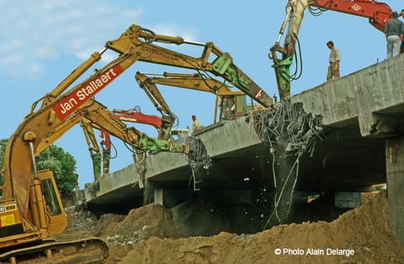 Montabert. démol pont - copie 2.jpg