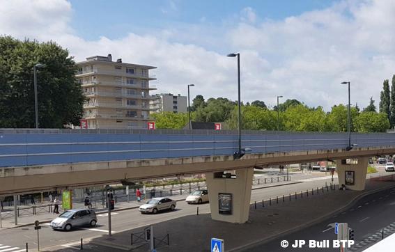 D'ici à 2021 la Région bruxelloise consacrera pas moins de 24 millions € à la rénovation de ponts et viaducs ; entretien, sécurité et réparation. Bruxelles compte   92 ponts   et viaducs: 68 sont gérés par Bruxelles Mobilité, 8 sont cogérés avec Infrabel et les ouvrages restants sont de la responsabilité unique d'Infrabel. Pour rappel, le viaduc Hermann-Debroux (photo) a été fermé en octobre dernier durant quelques jours suite à des fissures constatées dans le béton de la dalle inférieure.     Le RER Bruxelles-Nivelles :pas avant 2031 !!