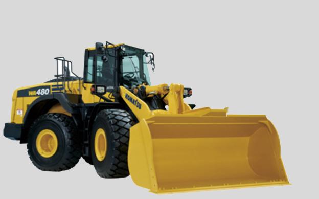 Komatsu complète sa gamme de chargeuses «Série 8 » avec l'arrivée de la nouvelle chargeuse WA480-8 de 25-26,6 tonnes. Elle est alimentée par un nouveau moteur diesel Komatsu de 223kW/303ch qui intègre le système   réduction catalytique sélective (SCR) qui réduit encore les émissions à l'aide d'AdBlue®. Par rapport à la WA480-6 sa consommation de carburant est réduite de 15%.   La chargeuse est dotée de la nouvelle technologie de suivi à distance KOMTRAX étape 5 qui offre les avantages suivants : tranquillité d'esprit, diminution des coûts d'exploitation, augmentation du profit, connexion via un smartphone 3G, identité de l'opérateur, contrôle des niveaux de fluide AdBlue, rapports d'utilisation en cas d'excès de la consommation de carburant et rapport sur le statut de la chargeuse incluant le système SCR. En plus, elle reçoit le programme d'entretien Komatsu CARE qui a été étendu pour couvrir le système SCR et une garantie de 5 ans ou 9000 heures sur le corps du catalyseur. Relevons aussi, son nouveau système automatique de creusage qui dispose d'une capacité de chargement idéale et soulage la fatigue de l'opérateur, et ce grâce à un nouveau godet redessiné et à   la fonction d'arrêt du ralenti du moteur (Auto-Idle-Shutdown)     ce qui permet d'améliorer la productivité tout en réduisant la consommation en carburant   et les coûts opérationnels  , quelque soit le travail     .   Pour gagner du temps et pour la sécurité de l'opérateur, la chargeuse est pourvue de larges portes du type papillon actionnées par des vérins à gaz permettant un accès facile et rapide pour atteindre sans peine en toute sécurité les composants situés plus haut.   Quelques fonctionnalités         :     Smart Loader Logic     : Optimise le couple moteur en fonction de l'activité. Celui-ci contribue à l'économie de carburant en réduisant automatiquement le couple moteur lorsque la chargeuse est moins sollicitée.   Electronic Pilot Control   : Manette à commande électronique directement connecté