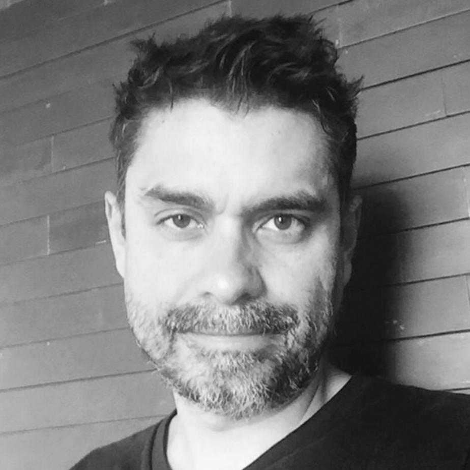 Cesar Conde Designer
