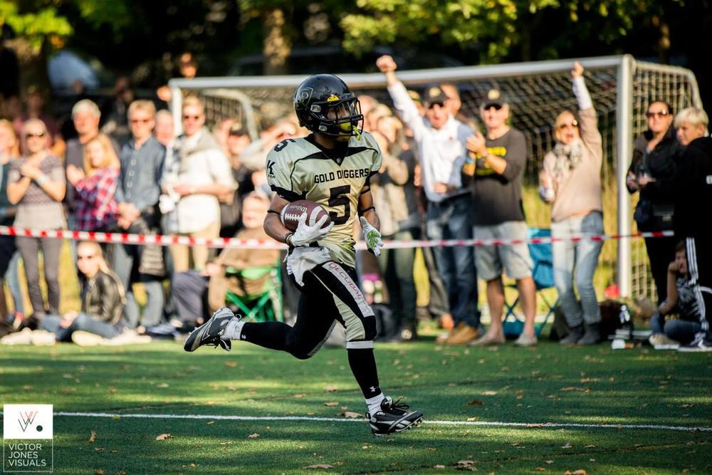 U19 RB Andreas Leonardo Christiansen scorer touchdown i Challenge Bowl 2014
