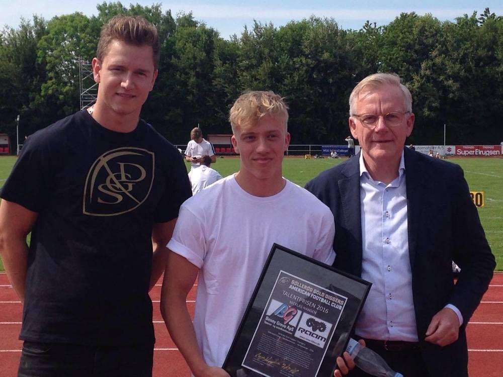 Årets talent i SGD NIcklas Hansen er udtaget til U19 landsholdet