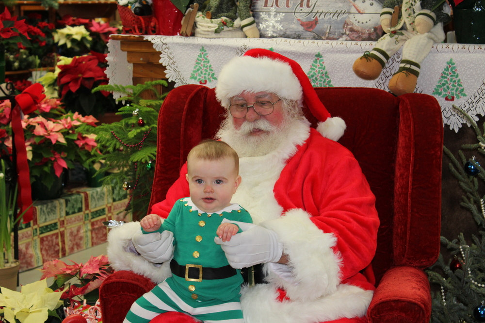 Hayden warming up to Santa!